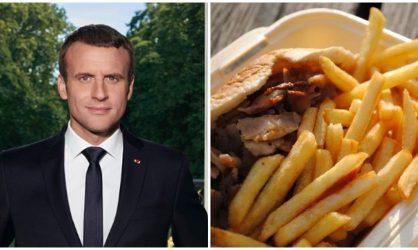 Emmanuel Macron : un jeune se tatoue son visage et un kebab à un endroit bien précis