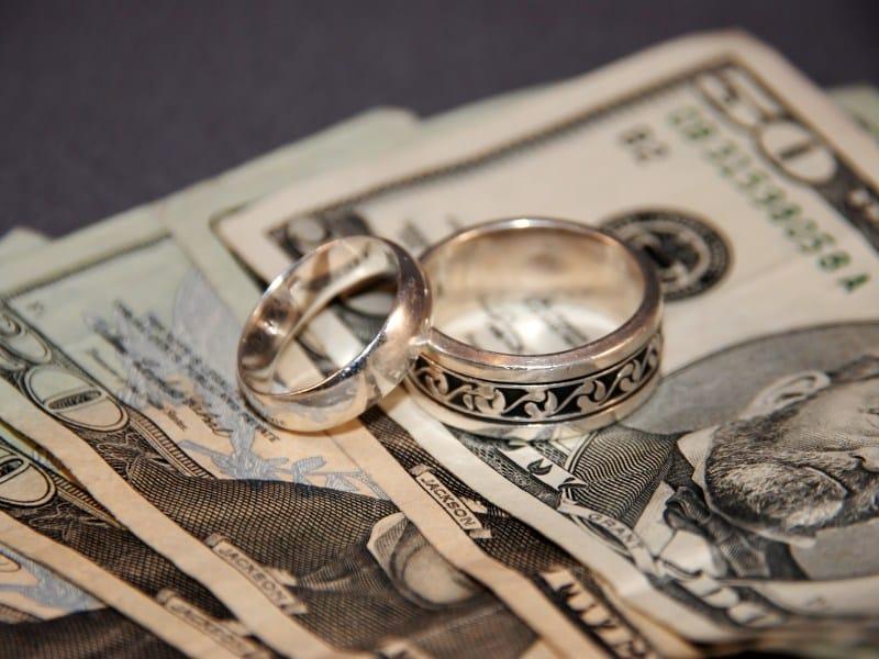texas-un-homme-braque-une-banque-pour-payer-son-mariage-et-se-fait-griller-par-sa-fiancee