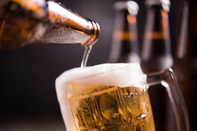 manchester-il-paye-100-000-livres-pour-une-biere-car-la-serveuse-sest-trompee-de-montant