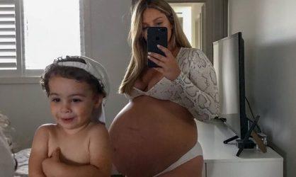 cette-jeune-australienne-devoile-sa-grossesse-et-est-victime-de-violentes-moqueries