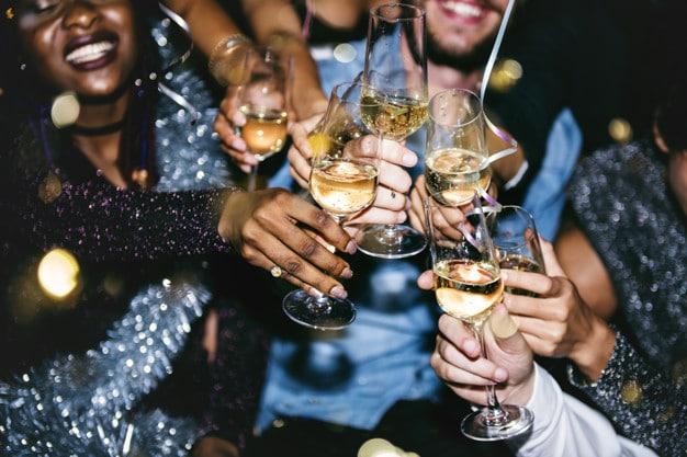 Gémeaux, Balance : ces signes du zodiaque qui adorent la fête