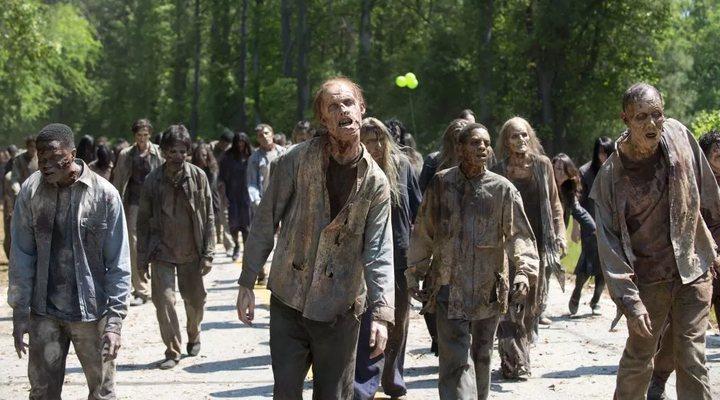 The Walking Dead : le créateur de la série annonce l'origine du virus zombie