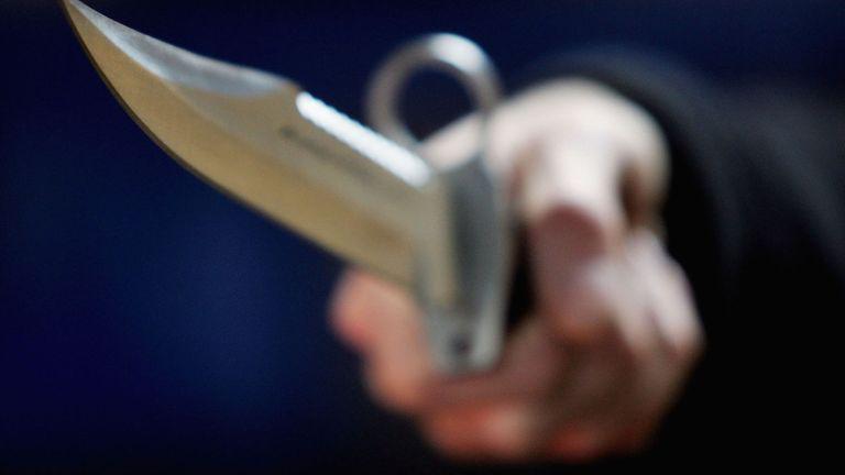 À 16 ans, un adolescent poignarde à mort sa mère et ses frères jumeaux