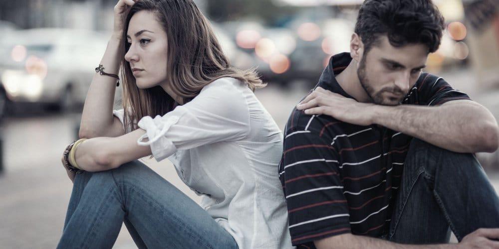 Il existe certains signes du zodiaque dont le comportement et la personnalité les poussent à faire du mal à leurs femmes lorsqu'ils sont en couples.