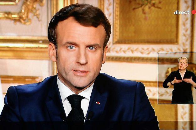 """Emmanuel Macron : pourquoi il n'a pas prononcé le mot """"confinement"""" pendant son discours"""