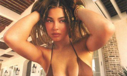 Kylie Jenner : son sosie portant le hijab surprend