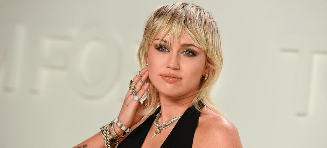 """Miley Cyrus : la star """"n'a aucune idée"""" de ce qu'est la pandémie du Coronavirus"""