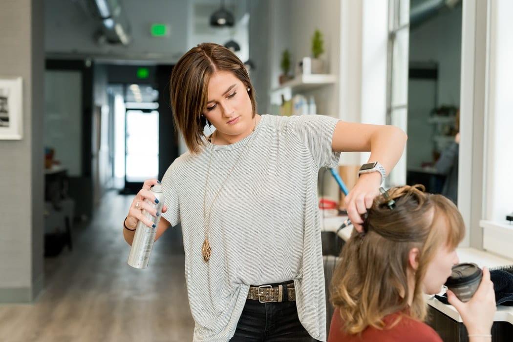 Déconfinement : un salon de coiffure ouvert dès minuit fait le buzz