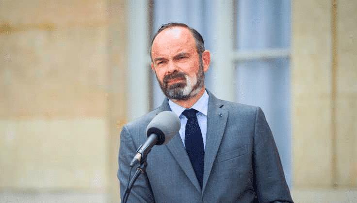 Édouard Philippe : sa barbe blanchie, le Premier ministre se confie sur sa maladie
