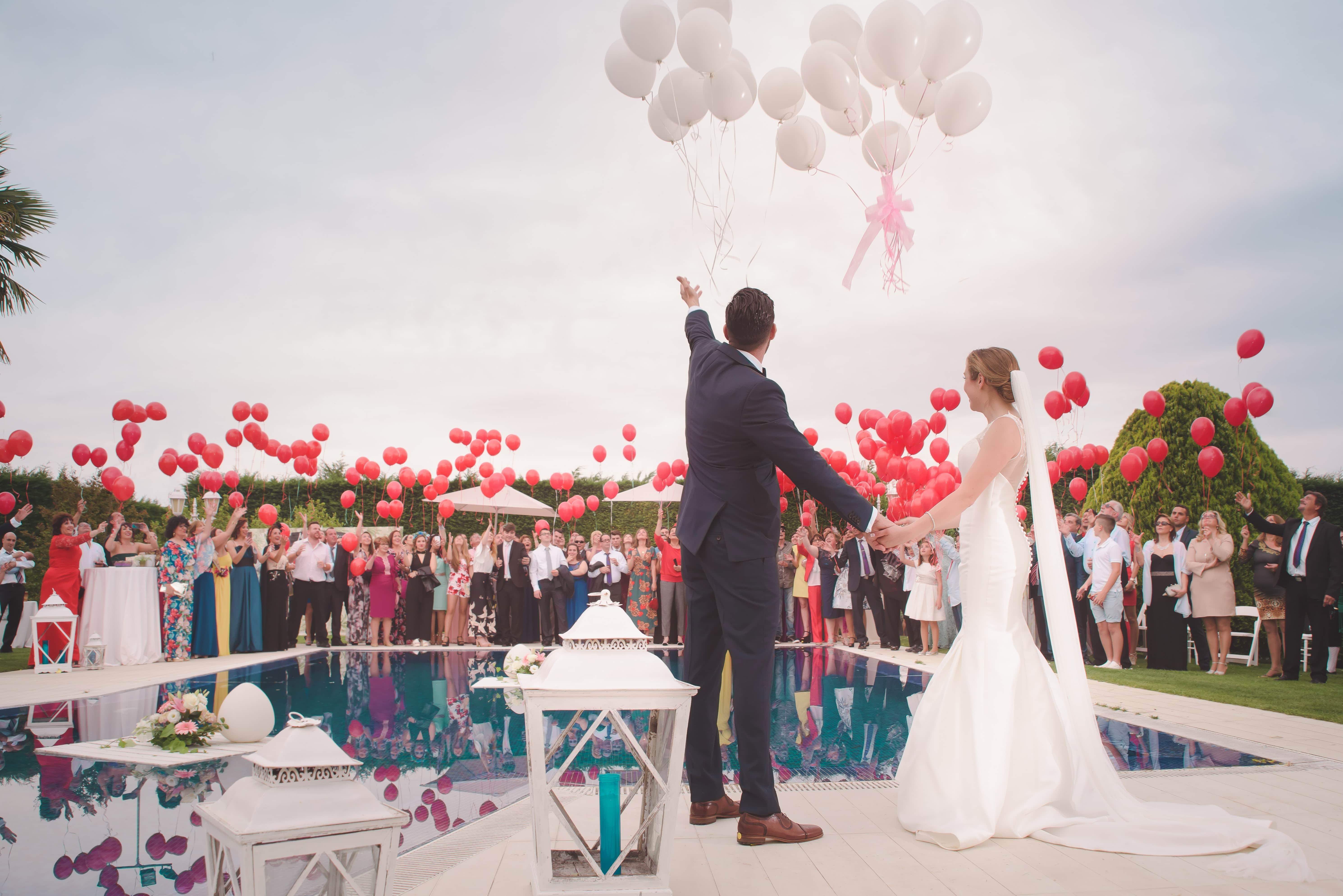 Annecy : au moins 12 personnes malades du coronavirus après un mariage