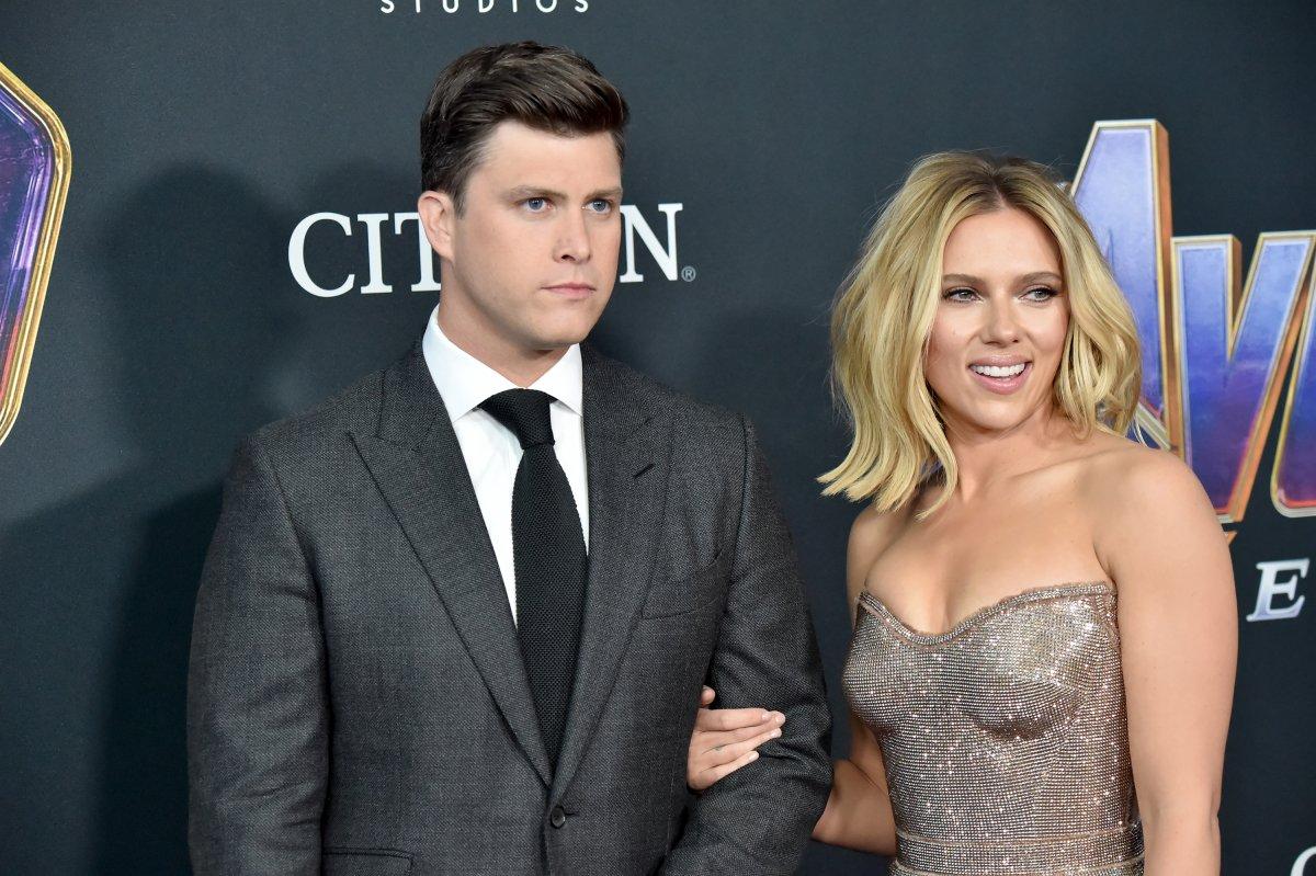 Colin Jost : le cheri de Scarlett Johansson raconte enfin leur toute première rencontre