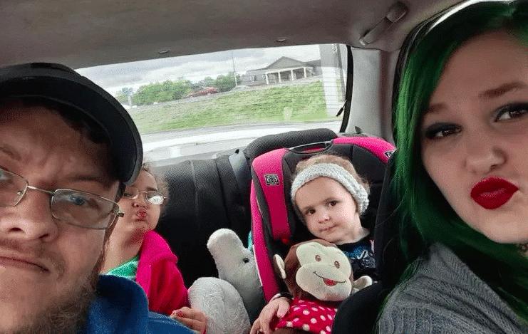 Il est surpris en train de vendre sa fille âgée de 4 ans à une station-service