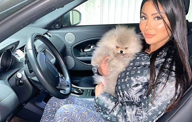 Maeva Ghennam : en panique après avoir perdu son chien Hermès, elle se livre