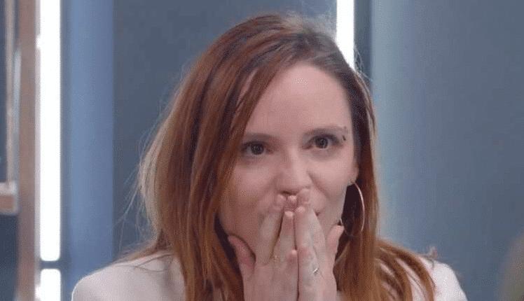 Incroyables Transformations : choquée par le relooking de son ami, une candidate fond en larmes