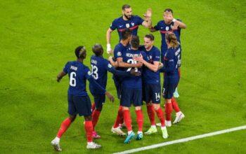 Euro 2021 : pourquoi les Bleus n'ont finalement pas posé un genou à terre avant le coup d'envoi du match