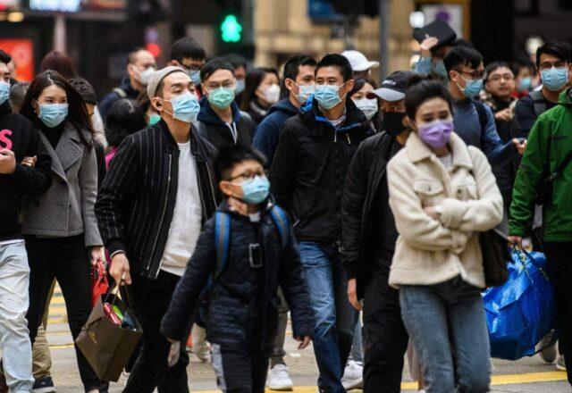Covid-19 : un médecin explique pourquoi il faut toujours porter le masque en étant vacciné