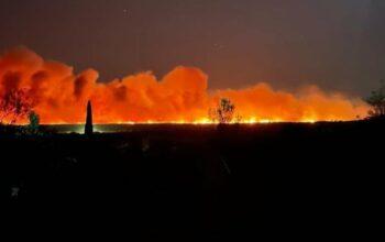 Var : un grave incendie se déclare, il s'agirait du plus gros feu de l'été