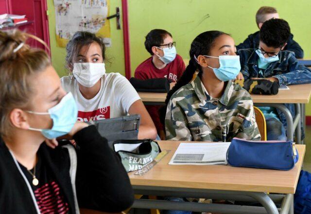 Covid-19 : le masque ne sera plus obligatoire à l'école dans certains départements
